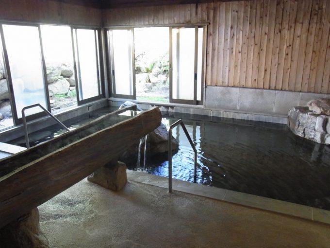 信州秘湯中房温泉大浴場