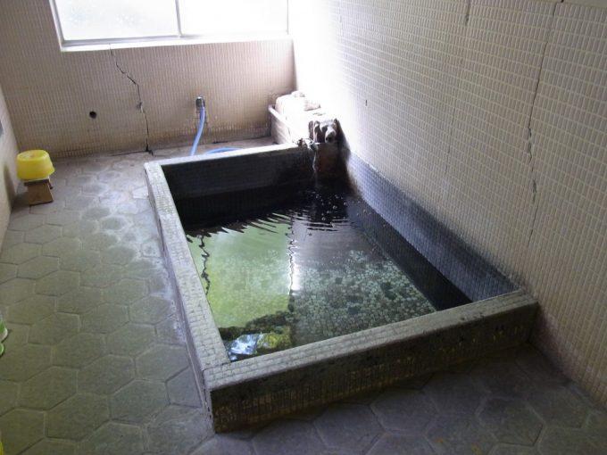 信州秘湯中房温泉薬師の湯