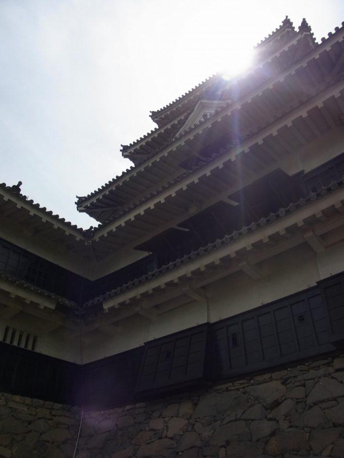 太陽を頂き輝く国宝松本城