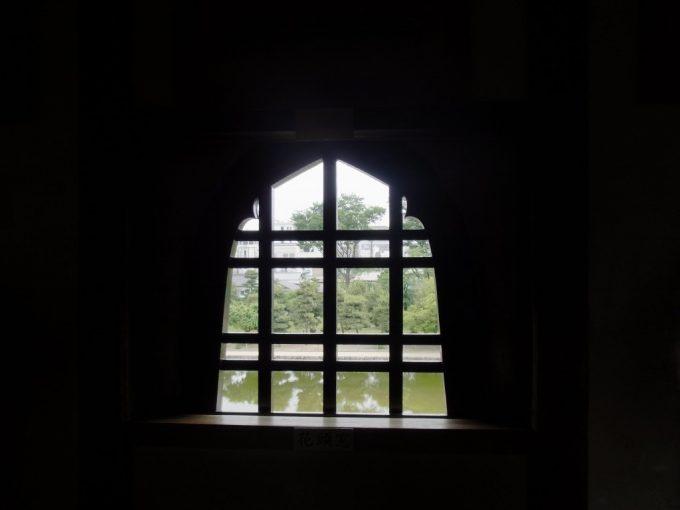 現存十二天守国宝松本城火灯窓