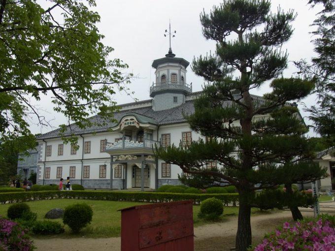 松本旧開智学校の美しい建物