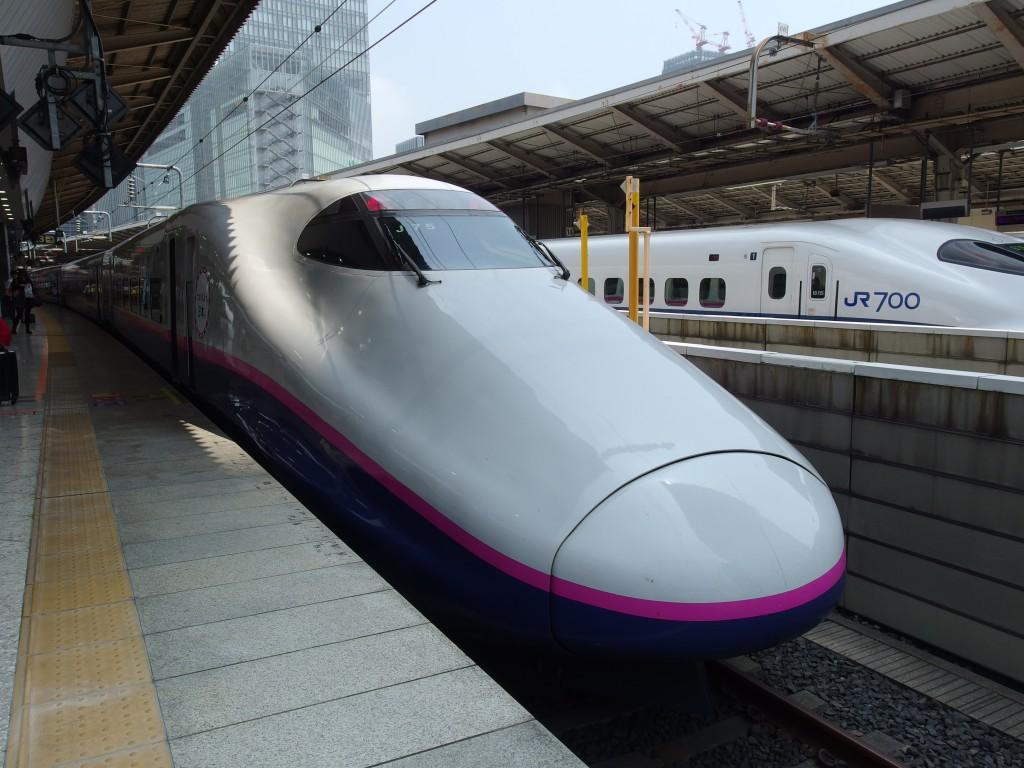 東北新幹線E2系やまびこ号