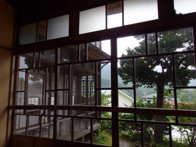 青根温泉岡崎旅館昭和初期の木造建築で頂く美味しい夕食