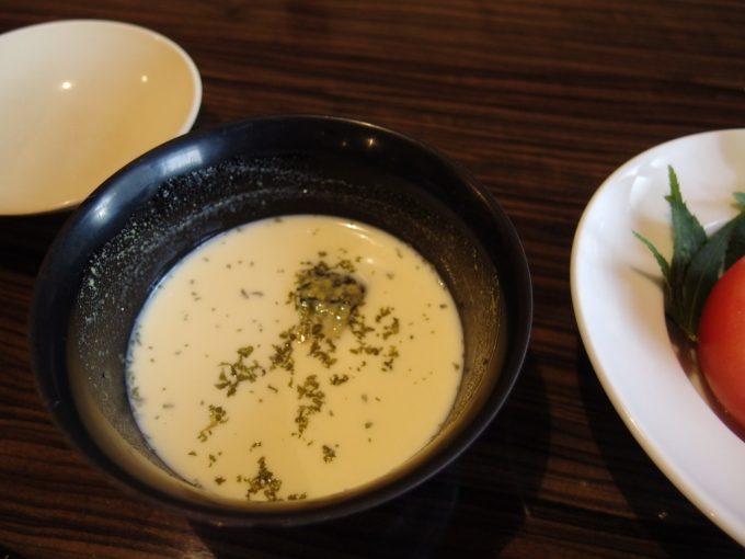 青根温泉岡崎旅館冷たい南瓜スープ