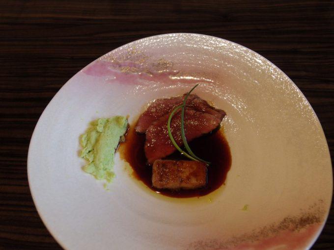 青根温泉岡崎旅館ローストビーフとフォアグラの鍬焼き