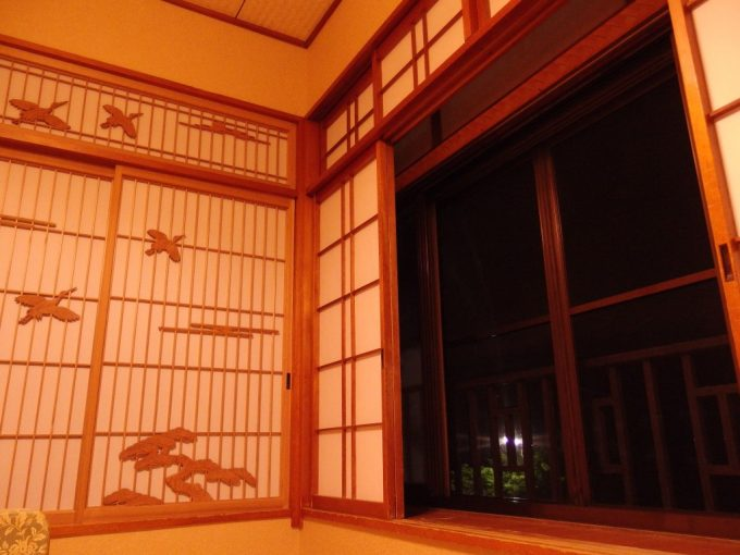 花巻台温泉中嶋旅館美しい細工の障子