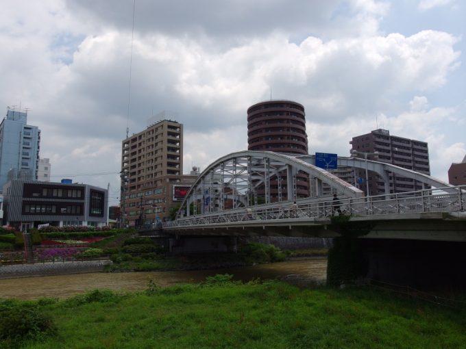 優美なアーチの盛岡開運橋