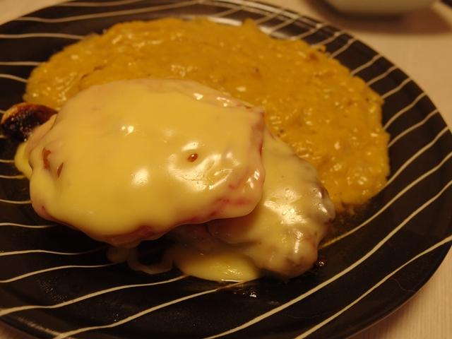 チーズトマトチキンソテーコーンクリームソース