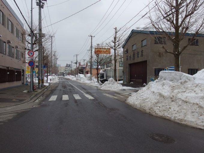 冬の青森の街