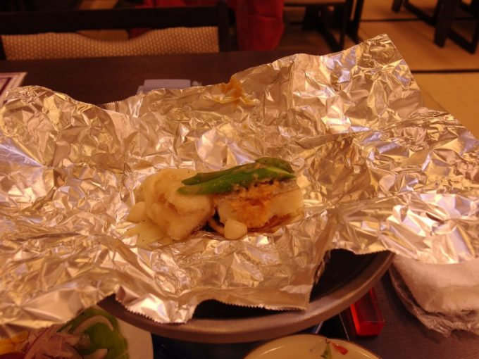 豪雪の酸ヶ湯温泉鱈と白子のホイル焼き