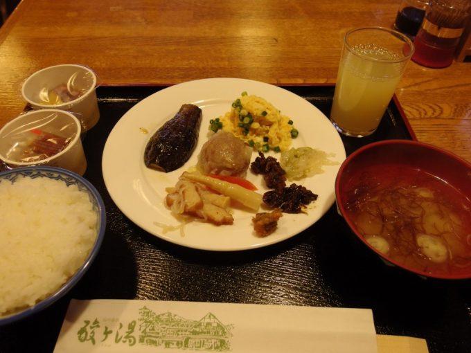 厳冬の青森酸ヶ湯温泉山の宿の朝食
