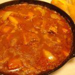 スペアリブのデミトマシチュー・ハムとトマトのオーロラサラダ