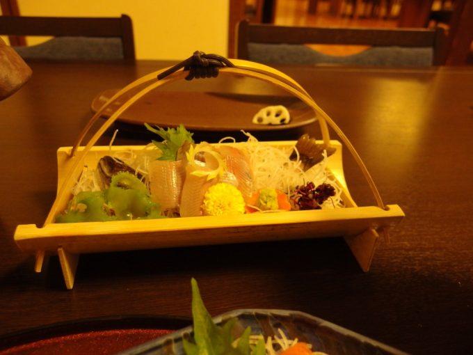 奥湯沢目の湯貝掛温泉別注料理岩魚の刺身