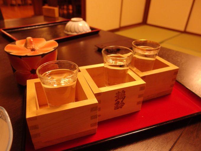 奥湯沢目の湯貝掛温泉夕食のお供に利き酒セット