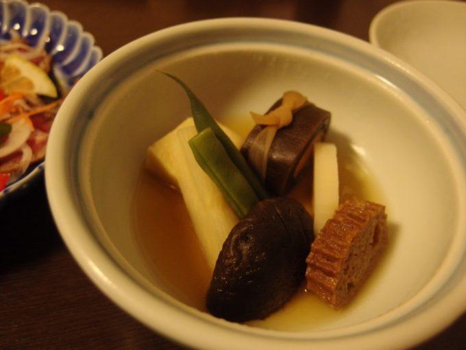 奥湯沢目の湯貝掛温泉煮物