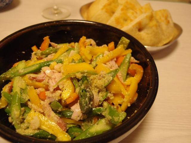 アスパラとカラーピーマンの山椒味噌チーサラダ