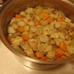 とりとんギュウ!の塩煮込み・生ハムの豆腐サンド・車麩と赤水菜の塩昆布ゴマヨ和え