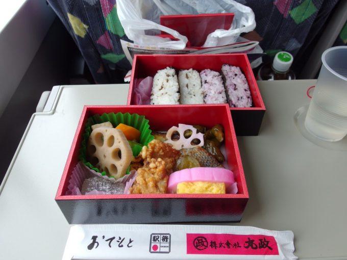 小淵沢駅弁駅弁誕生130年記念辨當中身