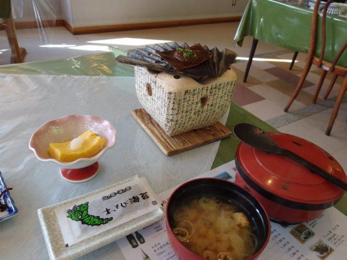 秘湯中の湯温泉旅館朝食わさび海苔に朴葉味噌