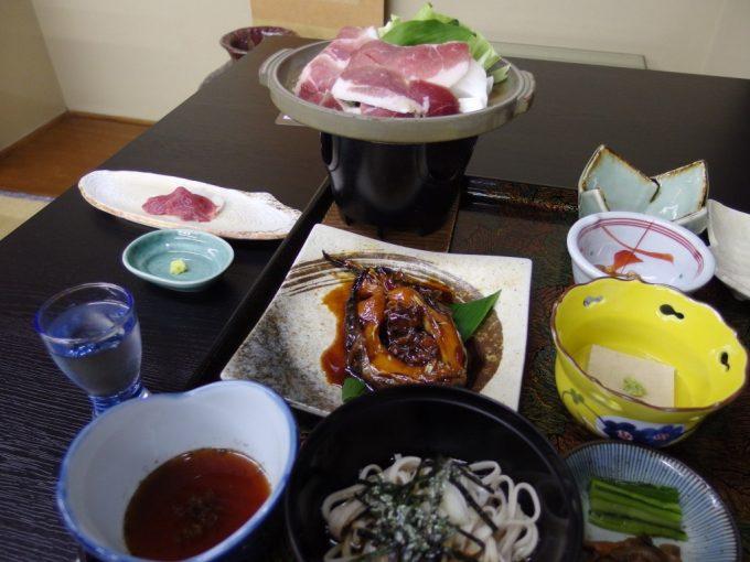 白骨温泉かつらの湯丸永旅館鯉旨煮そばしし肉陶板焼き馬刺し