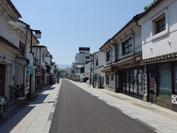 初夏の松本蔵造りが並ぶ中町通り