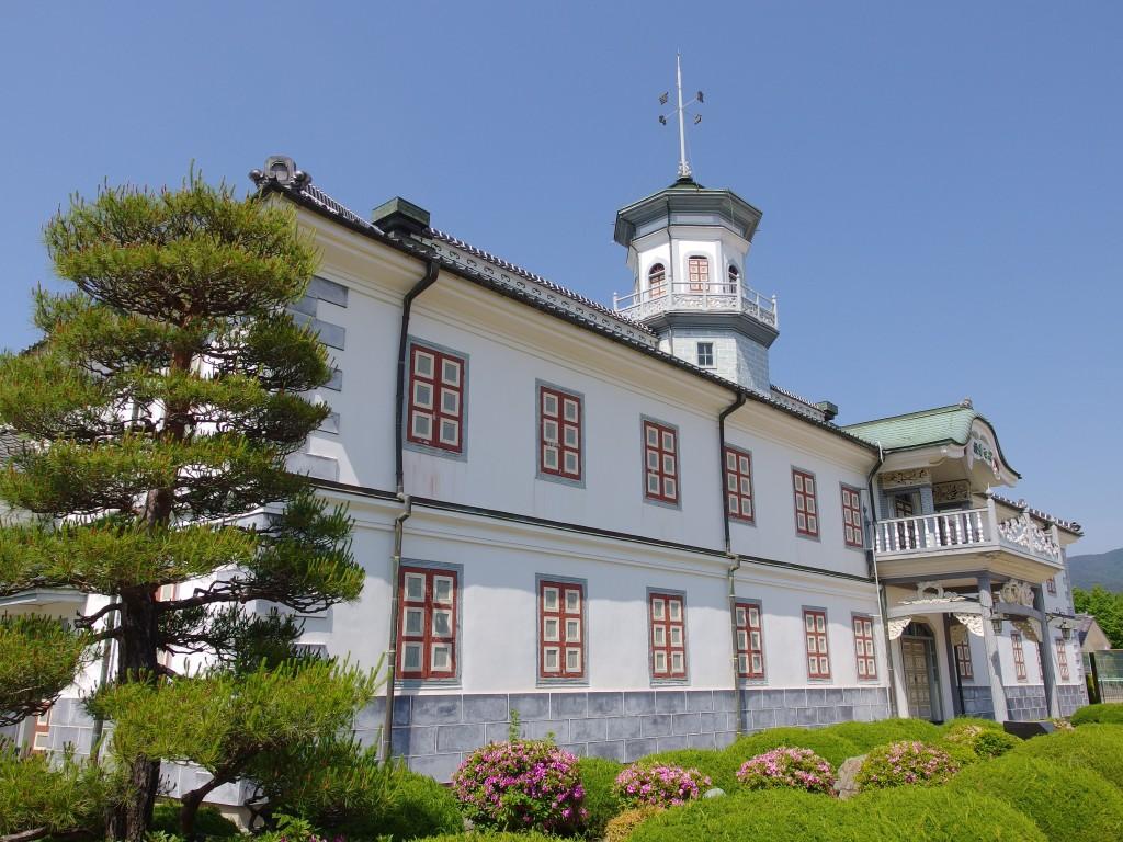 初夏の松本旧開智学校
