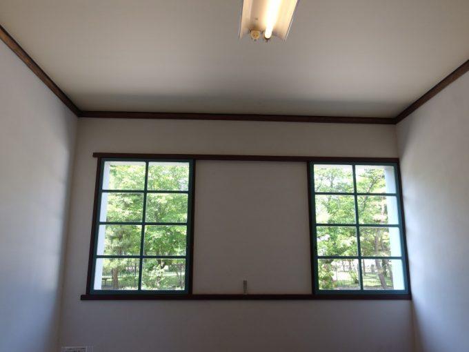 国の重要文化財旧開智学校職人技により仕上げられた和紙張りの天井