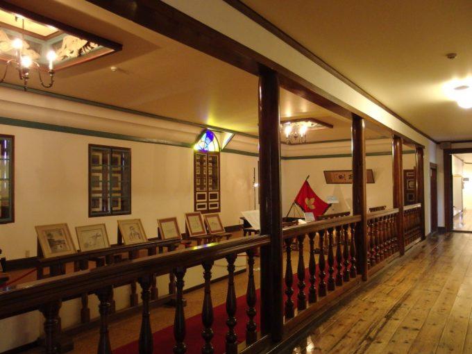 国の重要文化財旧開智学校学校とは思えない美しさの講堂