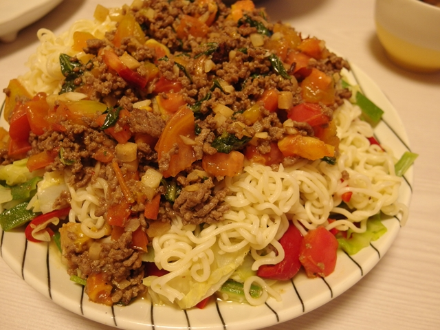 アジアン風味のサッポロ一番塩サラダ
