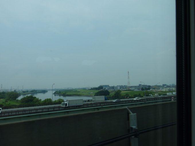 東北新幹線は荒川を渡り東京脱出!東北の夏へ