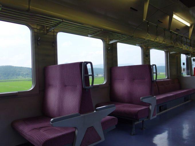 陸羽東線キハ110車窓から溢れる夏の日差しと緑の洪水
