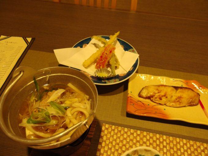 肘折温泉大友屋旅館鴨つくね鍋ぶり西京焼き天ぷら