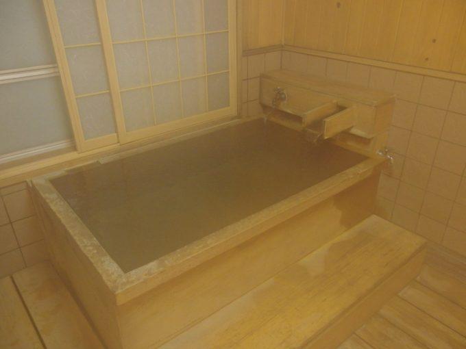 肘折温泉大友屋旅館木の香漂う貸切風呂