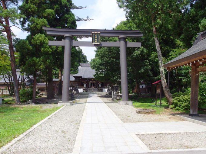 夏の新庄最上公園戸沢神社
