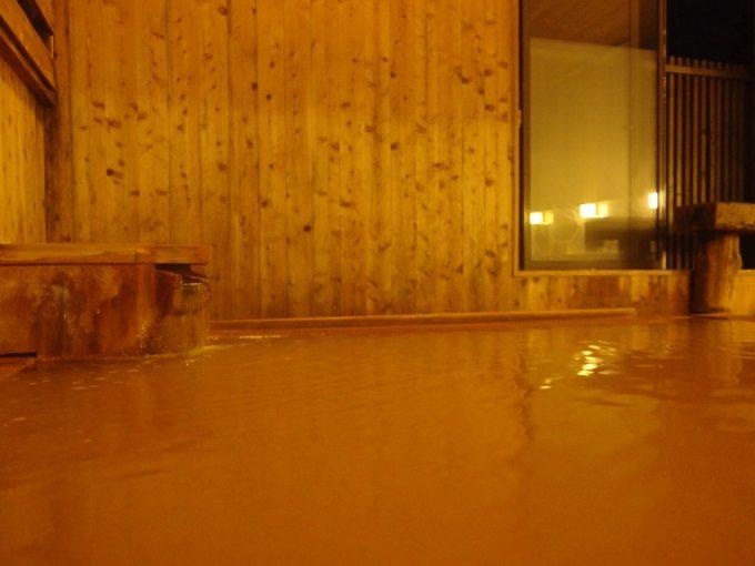 強首温泉樅峰苑夜の静けさの中愉しむ黄金の湯