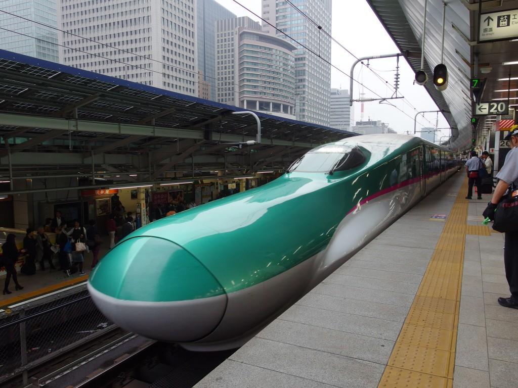 東北新幹線E5系はやぶさ号