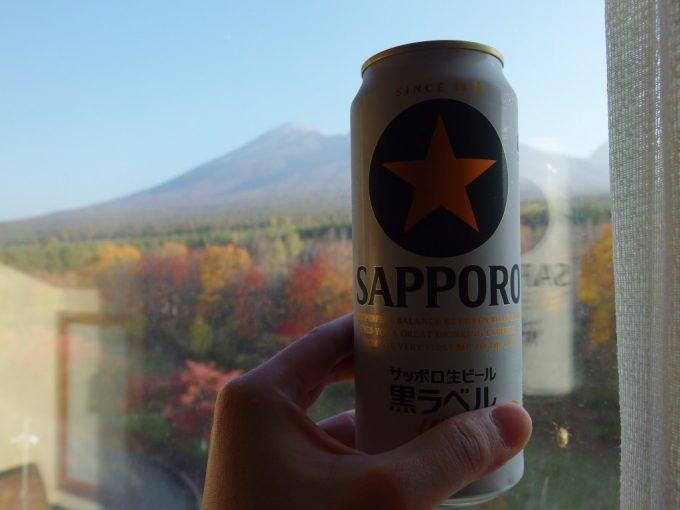 八幡平ロイヤルホテル湯上がりに紅葉と岩手山、冷たいビール
