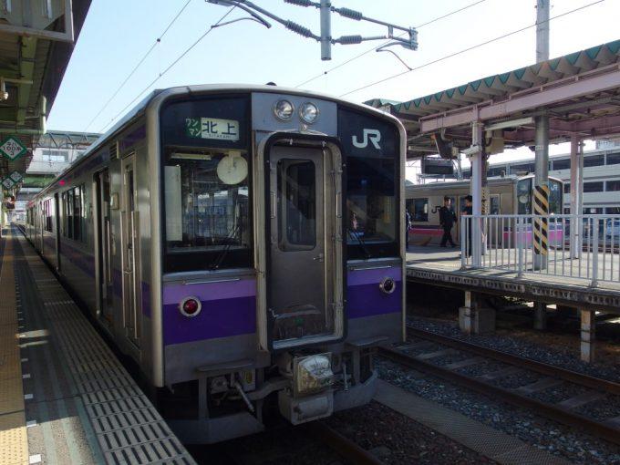 盛岡駅東北本線701系北上行き