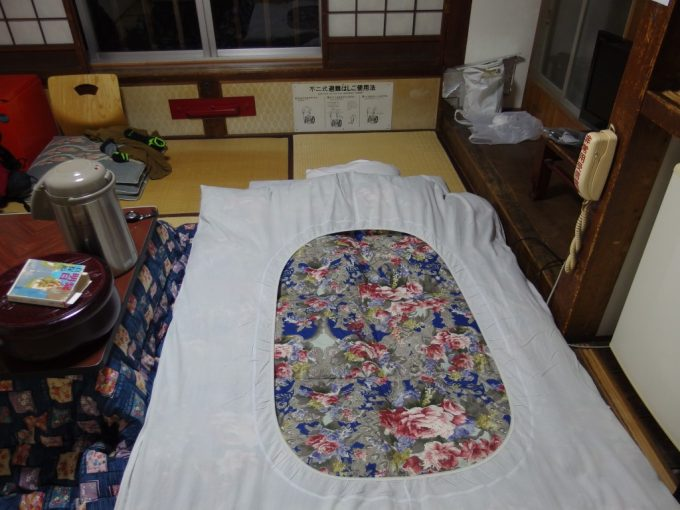 大沢温泉自炊湯治6日間の寝床幸せの舞台