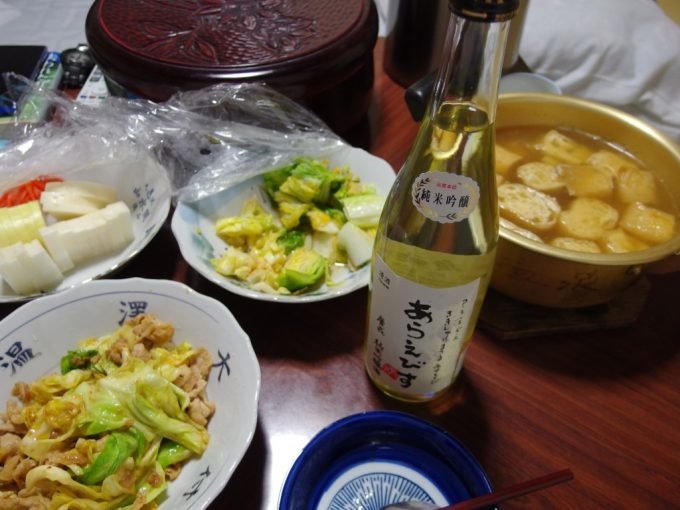大沢温泉自炊湯治献立揚げのお鍋とキャベツ漬けと豚の味噌炒め