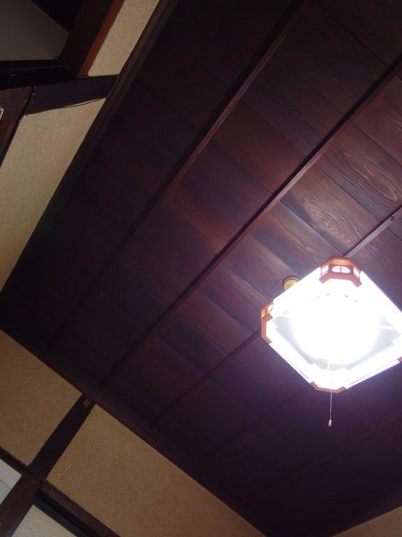 大沢温泉自炊湯治滞在中何度も見上げた飴色の天井