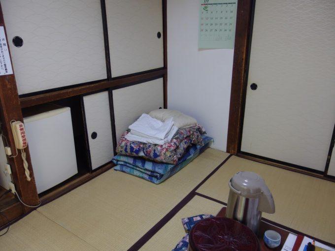 大沢温泉湯治屋自炊部6日間お世話になった部屋を掃除し旅立つ