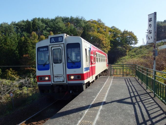 堀内に入線する三陸鉄道