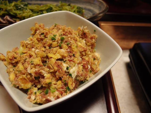 コンビーフと行者にんにくの卵味噌
