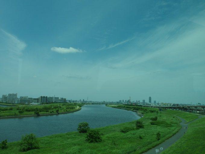 JRバス東北仙台・新宿号は荒川を渡り東京脱出