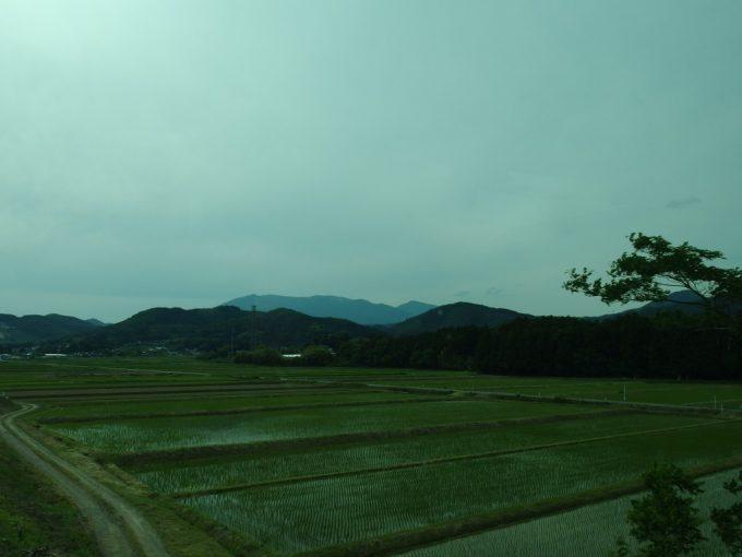 JRバス東北仙台・新宿号車窓の蔵王