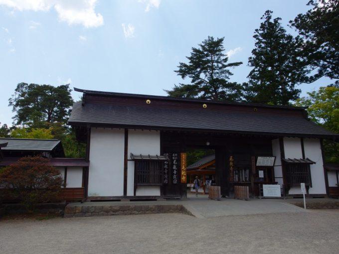 初夏の平泉毛越寺