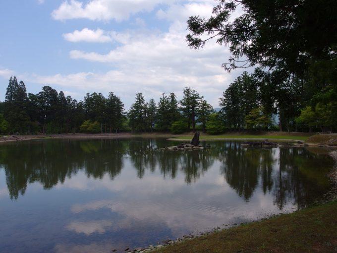 初夏の平泉毛越寺この世の極楽浄土式庭園