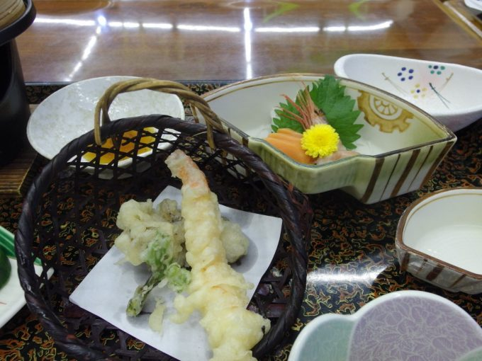 須川高原温泉天ぷらとお刺身