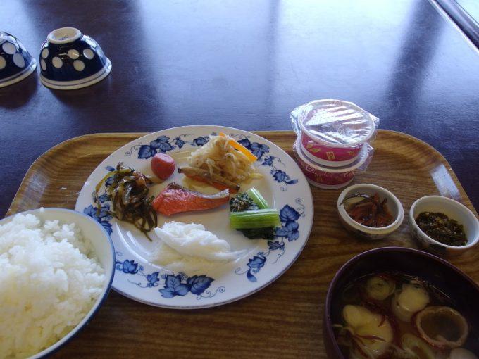 須川高原温泉バイキングの朝食